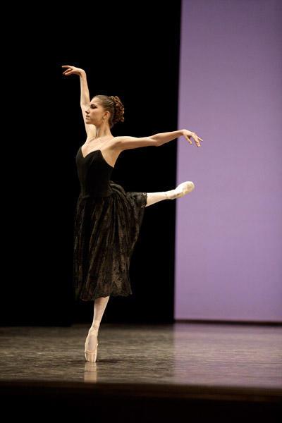 2010年度コンクール、課題曲「マノン」 (C)SEBASTIEN MATHE/OPERA NATIONAL DE PARIS