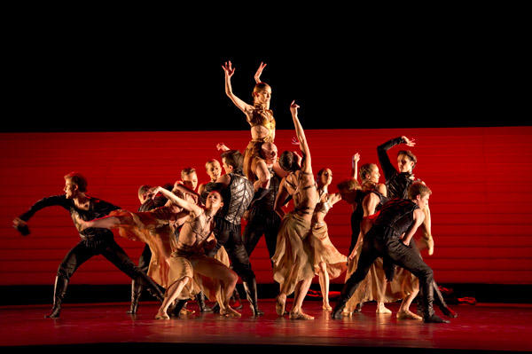 パリ・オペラ座バレエ団『カリギュラ』 (C)Laurent Philippe/Opéra national de Paris