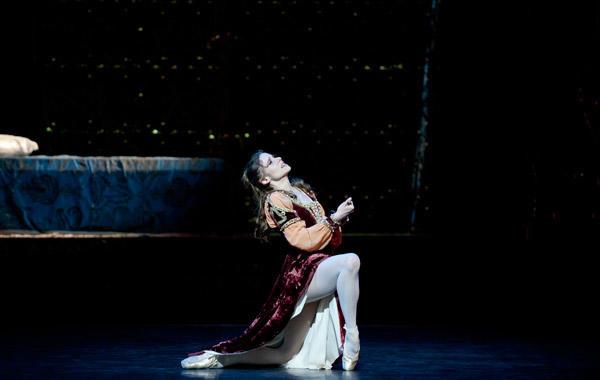 『ロメオとジュリエット』 レティシア・プジョル (C)Julien Benhamou/Opéra national de Paris