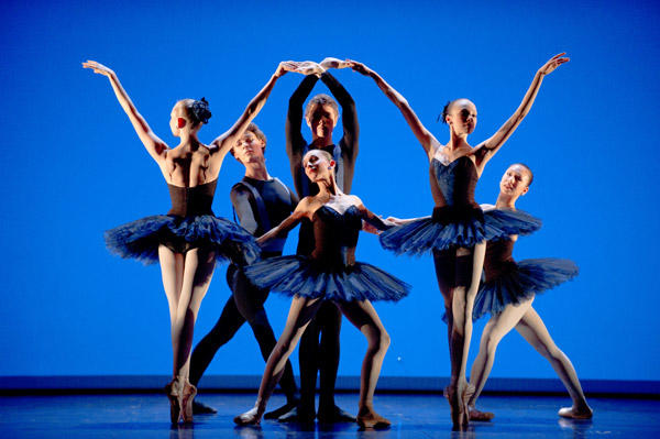 オペラ座バレエ学校公演『6のためのデッサン』 (C)David Elofer/Opera national de Paris