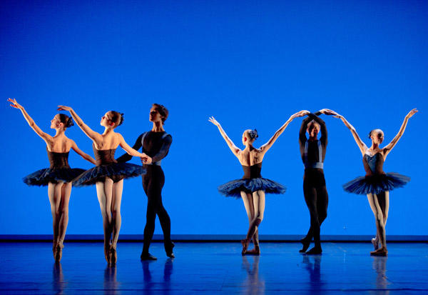 オペラ座バレエ学校公演『6のためのデッサン』 (C)C David Elofer/Opera national de Paris