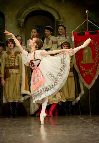オペラ座バレエ学校公演『コッペリア』 マリー・ヴァルレ(スワニルダ) (C)David Elofer/Opéra national de Paris ※写真は鑑賞日のものではありません