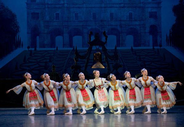オペラ座バレエ学校公演『コッペリア』 (C)David Elofer/Opéra national de Paris