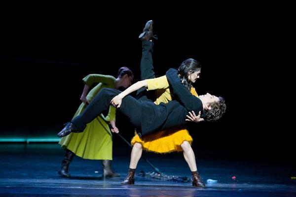 『一種の・・・』ミテキ・クドー バンジャマン・ペッシュ (C)Agate Poupeny/Opéra national de Paris