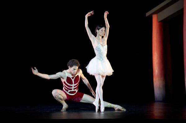 「 カリギュラ」ステファン・ビュリオンと Photo Laurent Philippe / Opéra national de Paris