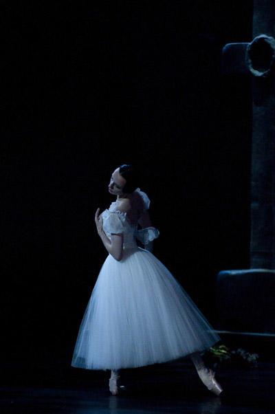 「ジゼル」 Photo Julien Benhamou / Opéra national de Paris