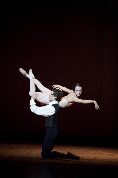 「椿姫」マチュー・ガニオと Photo Sébastien Mathé / Opéra national de Paris