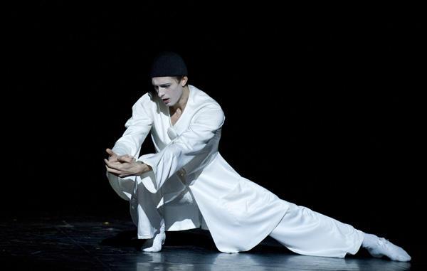 「天井桟敷の人々」マチュー・ガニオ (C)Julien Benhamou / Opéra national de Paris