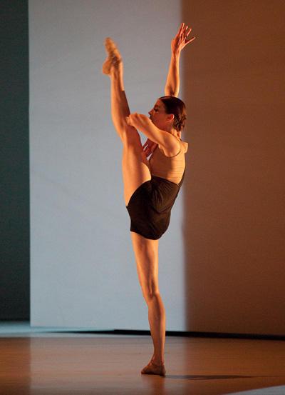 「感覚の解剖学」マリ=アニエス・ジロー (C) Anne Deniau/ Opéra national de Paris