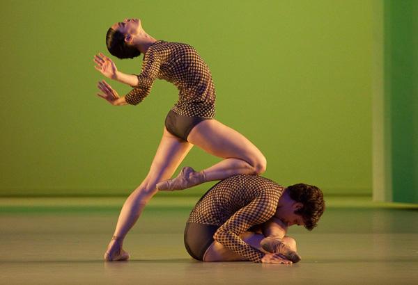 「感覚の解剖学」 (C) Anne Deniau/ Opéra national de Paris