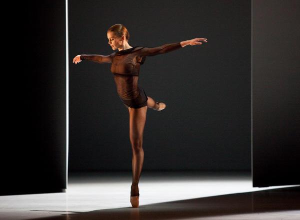 「感覚の解剖学」オーレリー・デュポン (C) Anne Deniau/ Opéra national de Paris
