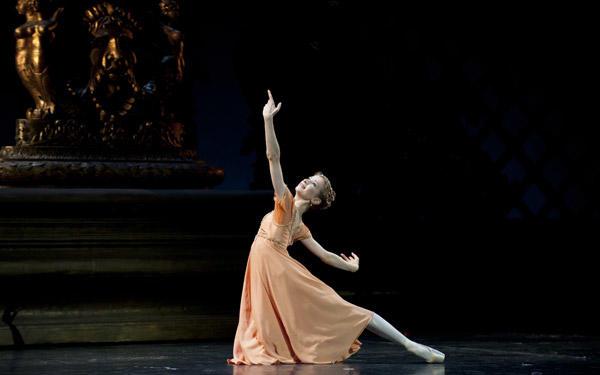 「ロメオとジュリエット」 photo / Julien Benhamou: Opéra national de Paris