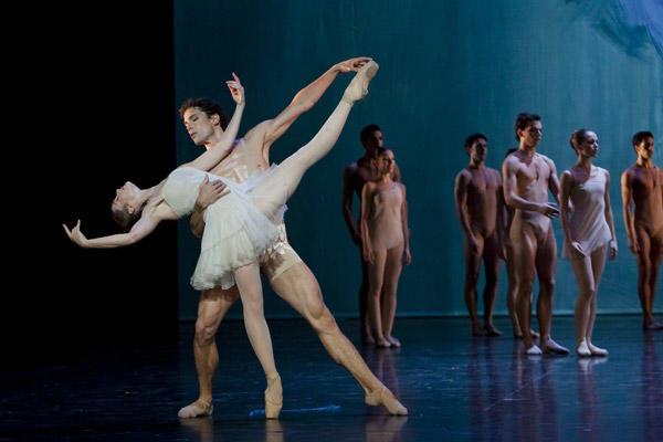 「プシュケー」オーレリー・デュポン、ステファン・ブリヨン © Opéra national de Paris / Agathe Poupeney