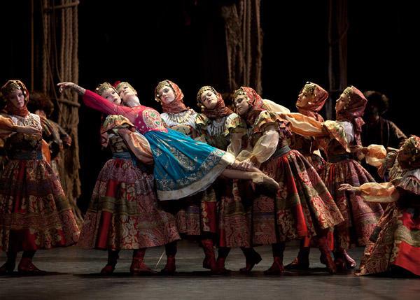 『泉』イザベル・シアラヴォラ (C)Anne Deniau/Opéra national de Paris