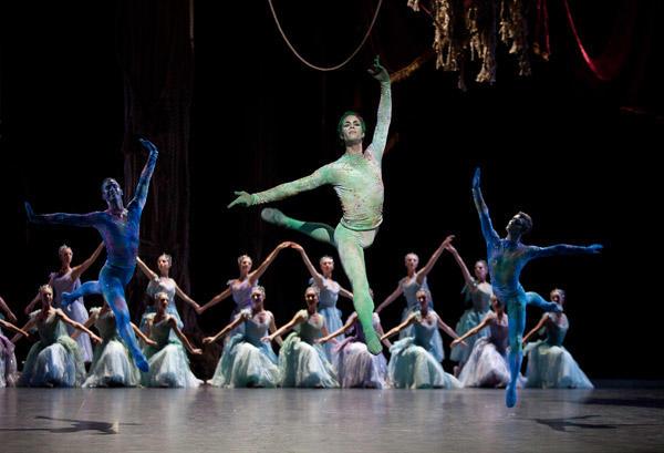 『泉』マチアス・エイマン (C)Anne Deniau/Opéra national de Paris