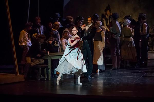 『天井桟敷の人々』プジョル (C)  Opéra national de Paris/ Charles Duprat