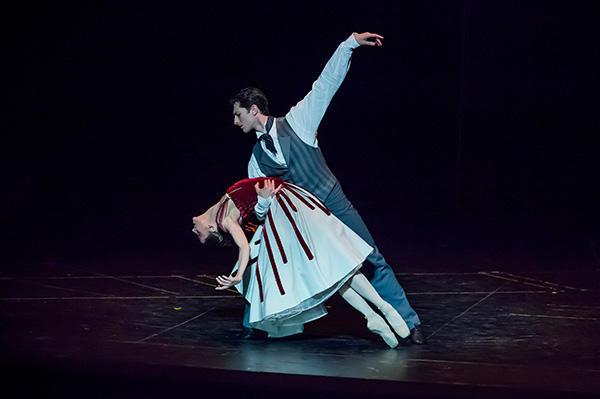 『天井桟敷の人々』プジョル、ガニオ (C) Opéra national de Paris/ Charles Duprat