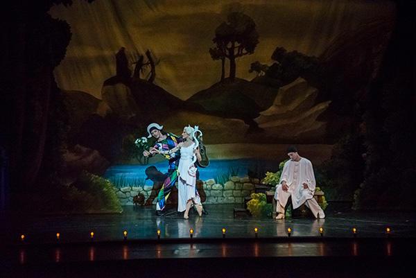 『天井桟敷の人々』パケット、プジョル、ガニオ (C) Opéra national de Paris/ Charles Duprat