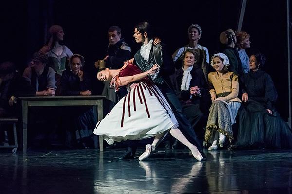 『天井桟敷の人々』アルビッソン、ウエット (C) Opéra national de Paris / Charles Duprat