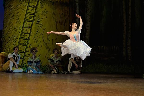 『ラ・フィーユ・マル・ガルデ』 エレオノール・ゲリノー (C) Opéra nataional de Paris/ Benoîte Fanton