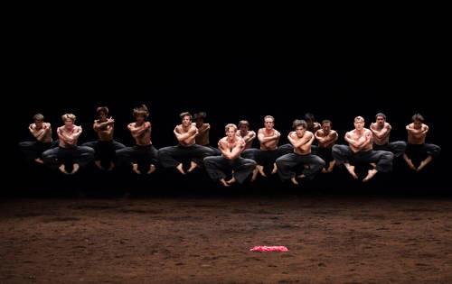 「春の祭典」(C) Julien Benhamou/Opéra national de Paris
