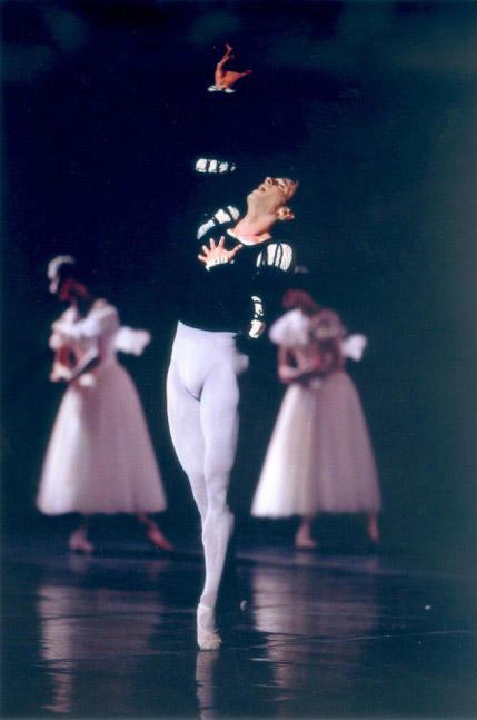 「ジゼル」 photo Icare/ Opéra national de Paris