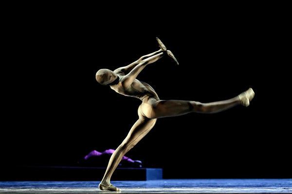(C) Costin Radu/ Semperoper Ballett Dresden