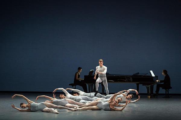 『イン・クリーシズ』 (C) Opéra national de Paris/ Sebastien Mathé