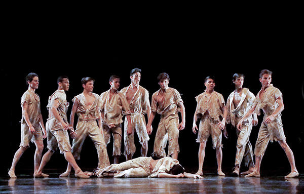 『光の罠』 (C) Opéra national de Paris/ Fancette Levieux