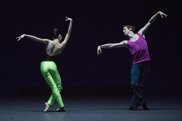 「Approximate sonata」オニール 八菜、ファビアン・レヴィヨン (C) Opéra national de Paris/ Ann Ray