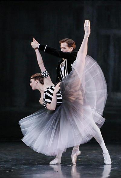 『ブラームス・シェーンベルク四重奏曲』ヴァランティーヌ・コラサント、ヤン・シャイユー (C) Opéra national de Paris/ Francette Levieux