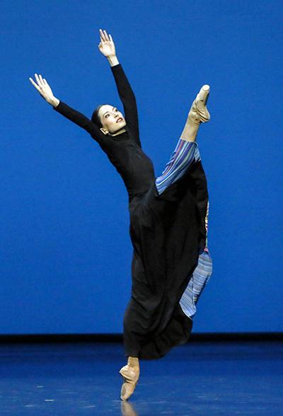 『黄昏時』オニール 八菜 (C) Opéra national de Paris/ Francette Levieux
