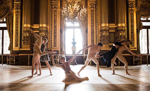 セバスチャン・ベルトー創作『La rumeur des naufrages』(左) photo Julien Benhamou