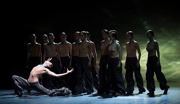 The Season's Canon』 photo Julien Benhamou/ Opéra national de Paris