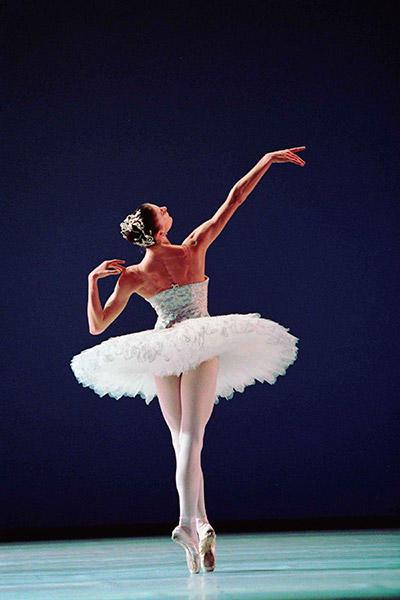 『ジュエルズ-ダイアモンド』 Photo Icare / Opéra national de Paris