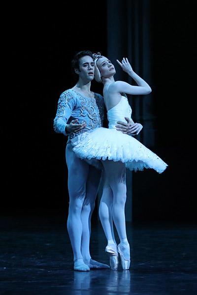 レオノール・ボーラック、マチアス・エイマン (C) Opéra national de Paris/ Svetlana Loboff
