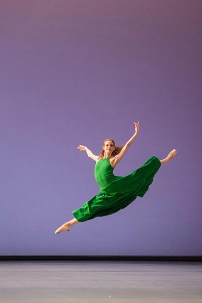 『ダフニスとクロエ』 photo Agathe Poupeney/Opéra national de Paris