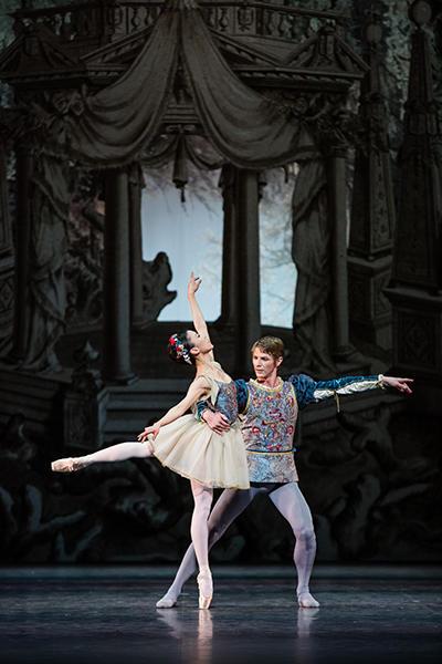『真夏の夜の夢』 photo Agathe Poupeney/ Opéra national de Paris