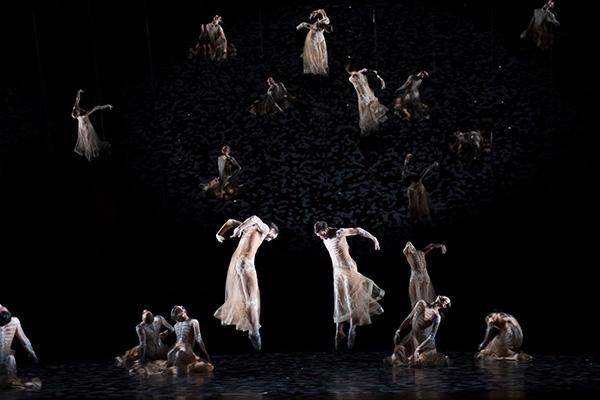 『ボレロ』(C) Opéra national de Paris / Laurent Philippe