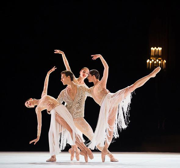 『ルネッサンス』 (C) Opéra national de Paris/ Julien Benhamou