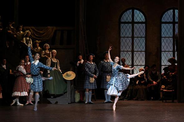 エマニュエル・ティボーとマリオン・バルボー (C) Opéra national de Paris/ Svetlana Loboff