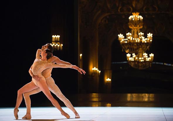 『ルネッサンス』 photo Julien Benhamou/Opéra national de Paris