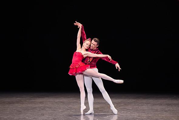 レオノール・ボーラック、ポール・マルク (C) Opéra national de Paris/ Julien Benhamou