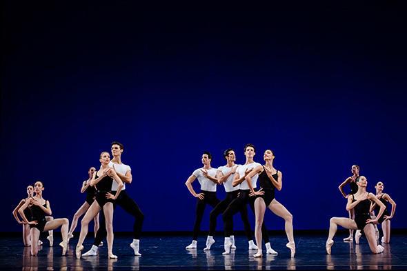「アゴン」 photo Agathe Poupeney/Opéra national de Paris