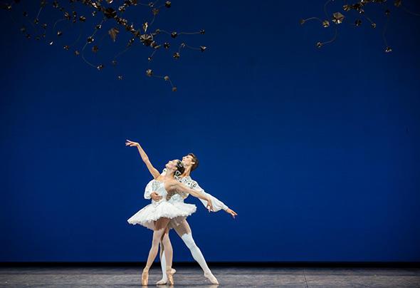 「ダイアモンド」 photo Julien Benhamou/ Opéra national de Paris