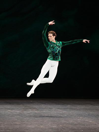 「ジュエルズ」 photo Julien Benhamou/ Opéra national de Paris