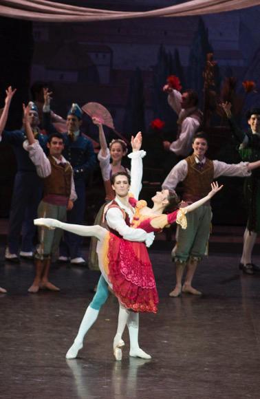 「ドン・キホーテ」 photo Julien Benhamou/ Opéra national de Paris