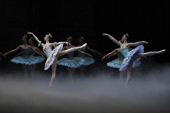 ウルド=ブラーム、アリス・ルナヴァン (C) Opéra national de Paris/ Svetlana Loboff