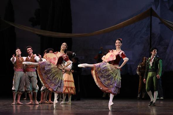 セ・ウン・パク、オニール 八菜 (C) Opéra national de Paris/ Svetlana Loboff