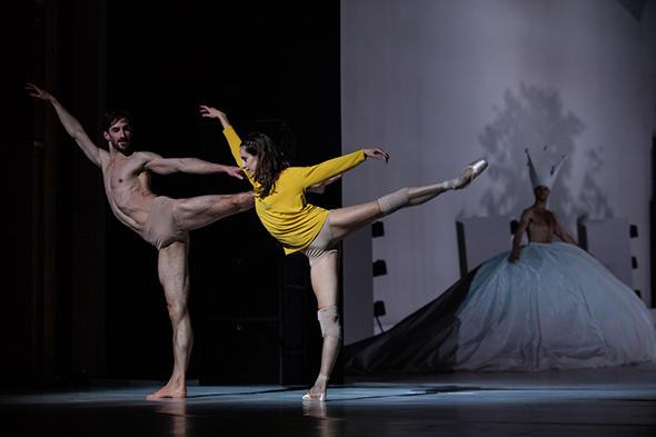 シルヴィア・サン=マルタン、ヴァンサン・シャイエ (C) Opera national de Paris/ Ann Ray